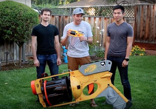 big nurf gun.jpg