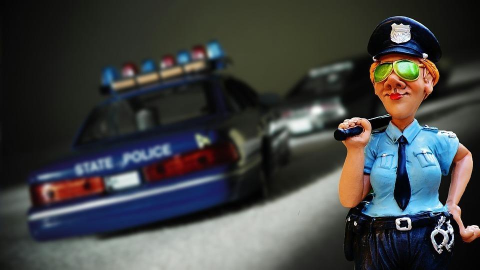 police-and-car.jpg