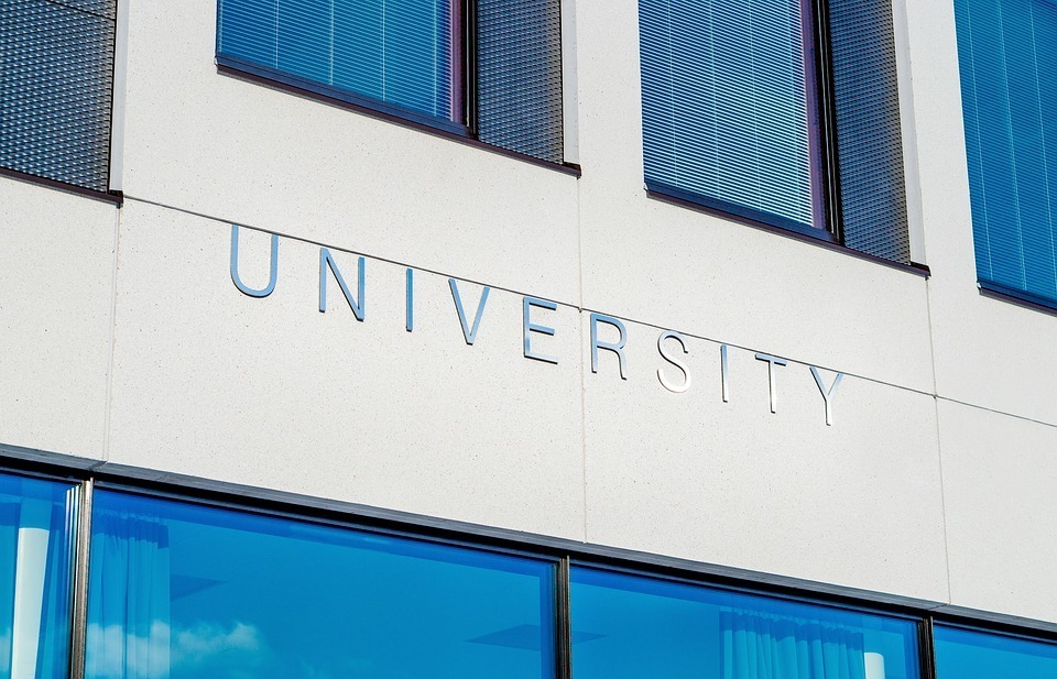 university-2119707_960_720.jpg