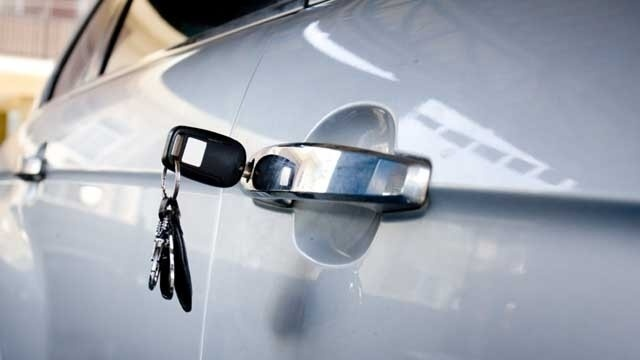 Car-keys-in-door-jpg.jpg