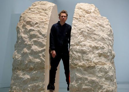 French artist entombed himself in the rock2.jpg