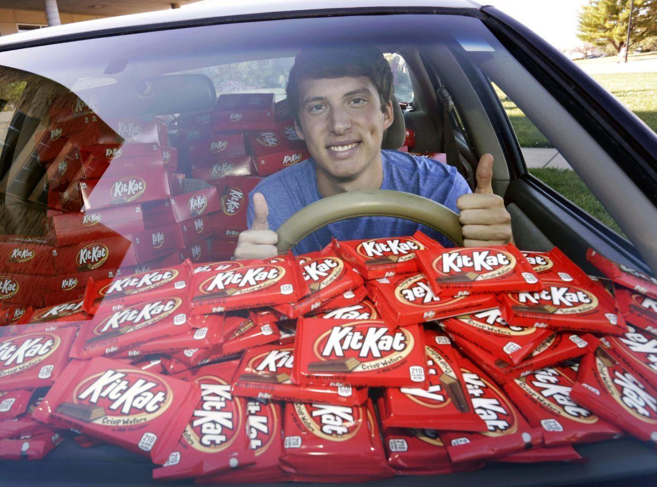 KitKat 6,500 bars.jpg