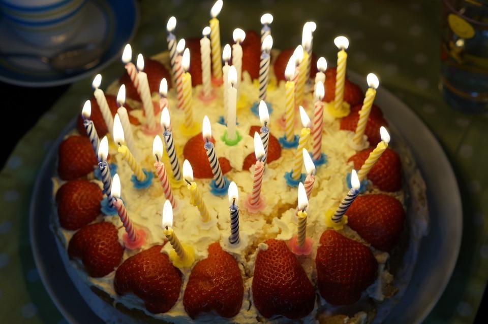birthday-cake-757103_960_720.jpg