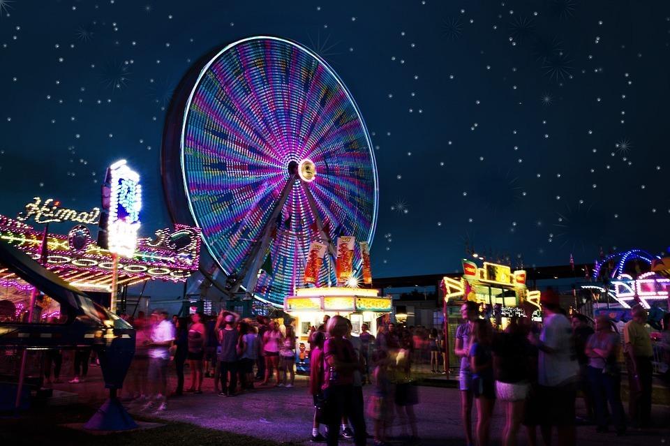 carnival-rides-2648047_960_720.jpg