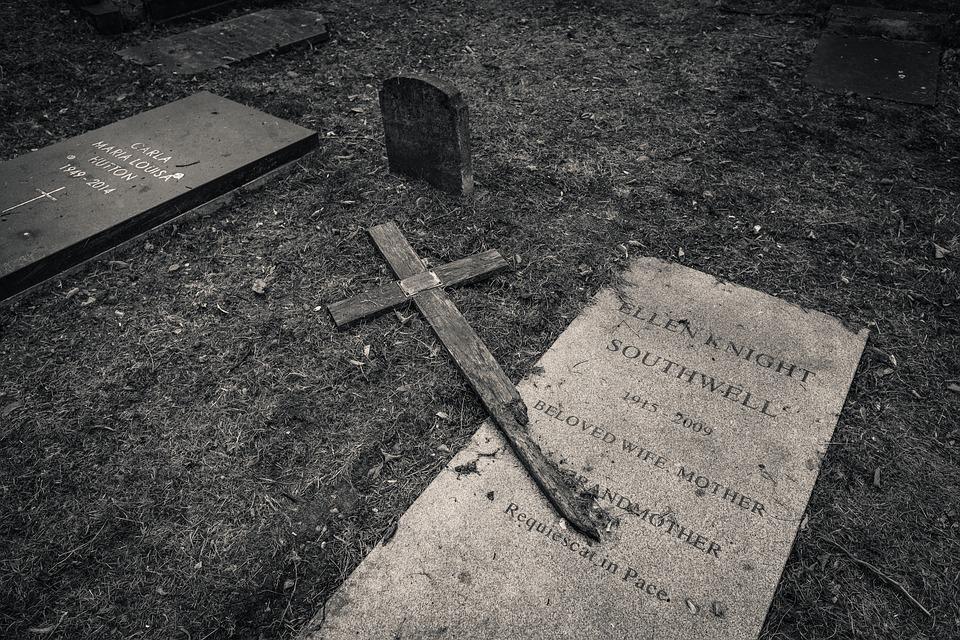 grave-3582303_960_720.jpg