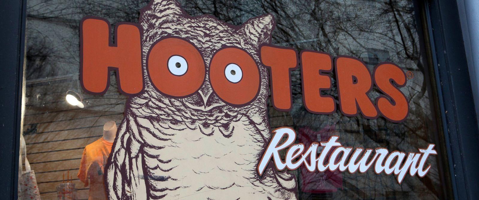 hooters-restaurant.jpg
