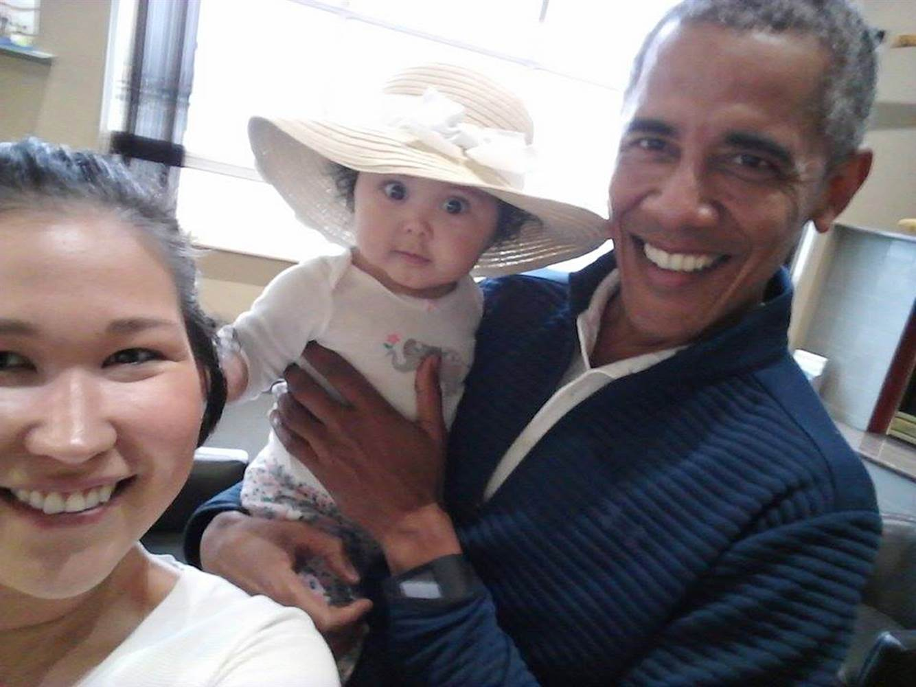 mother and baby met Obama1.jpg