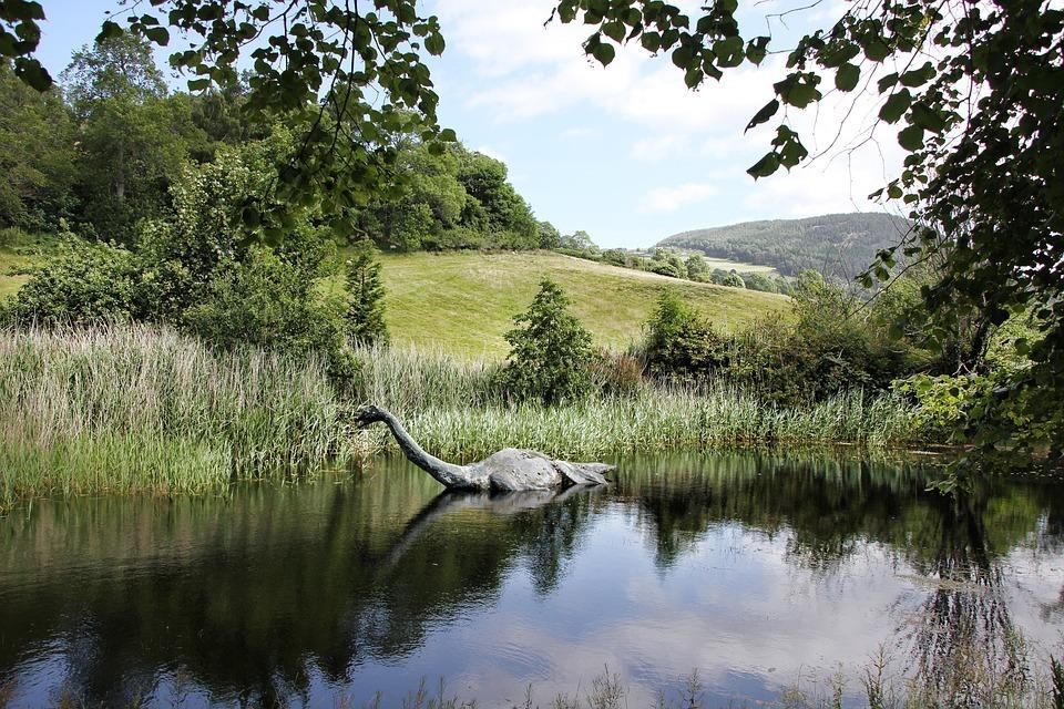 scotland-Nessie.jpg