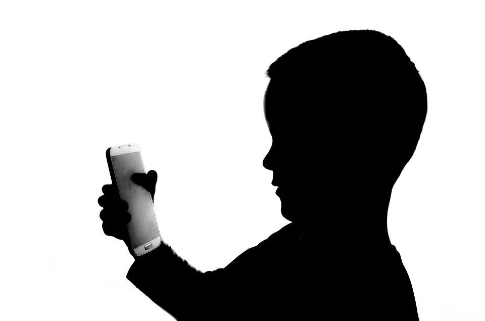 smartphone-kid.jpg