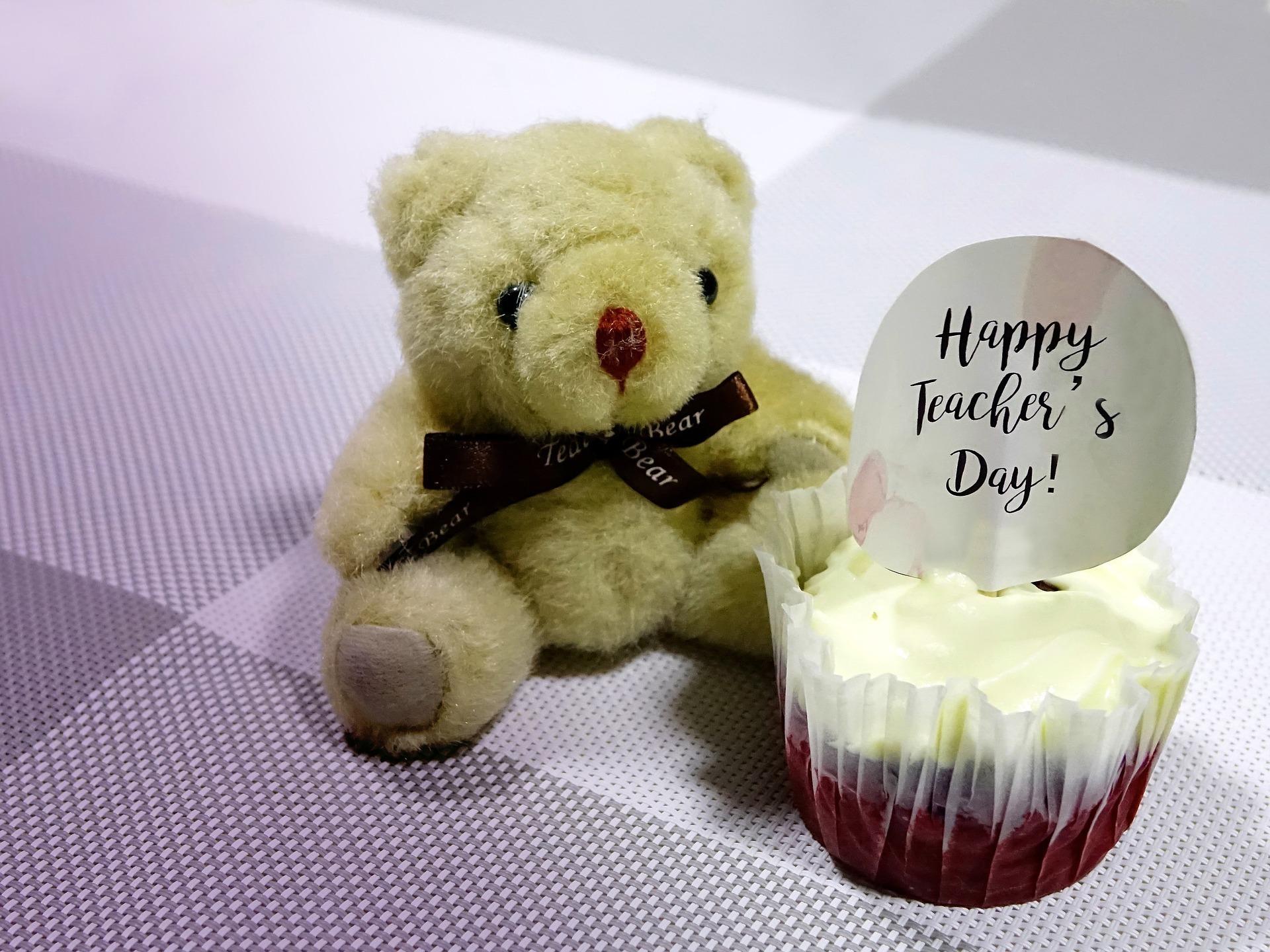 teddy bear and cup cake.jpg