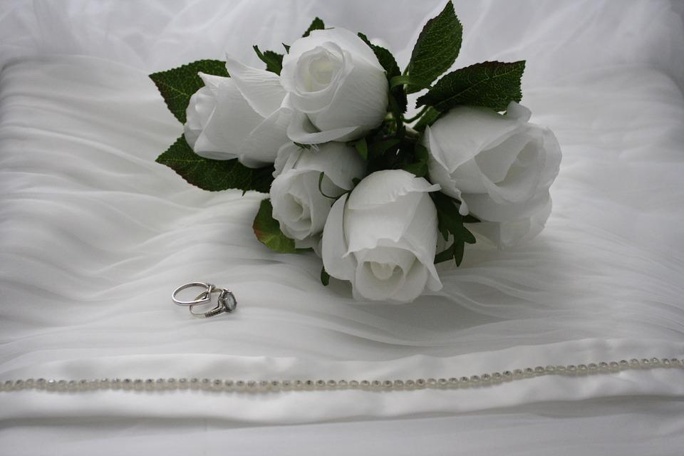 wedding bouquet rings.jpg